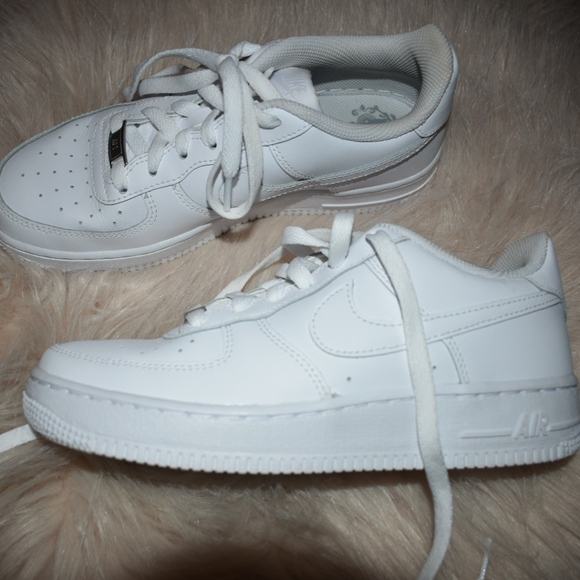BRAND NEW Nike Air Force 1 Size 5Y fits womens 6.5